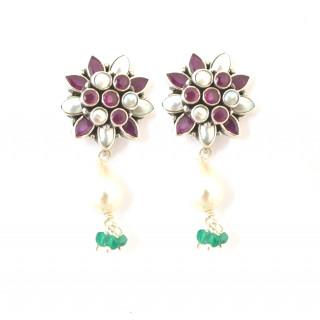 Pearl and rubi flower earring