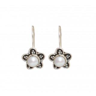 Cute Flower Pearl Earring